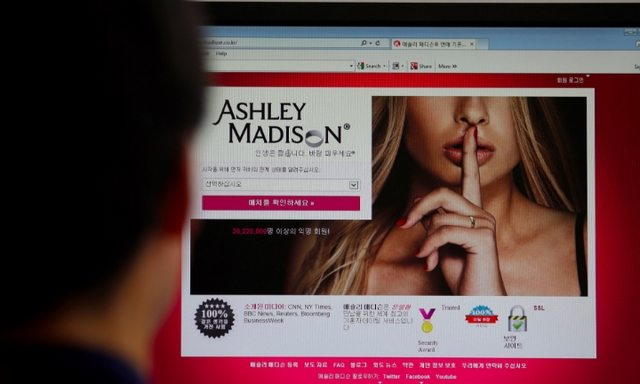 cancellarsi da ashley madison